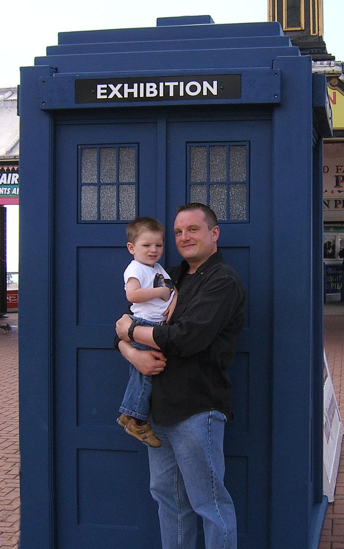 Clive and Thomas find the TARDIS